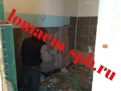сколько стоит демонтаж плитки со стены