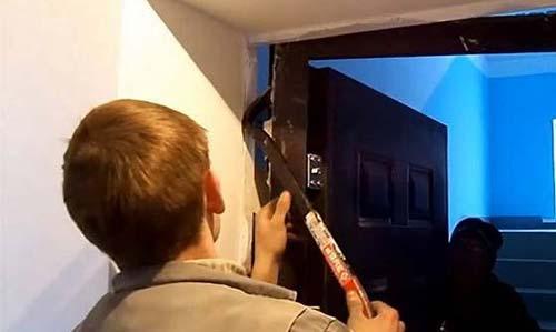Демонтаж входной металлической двери
