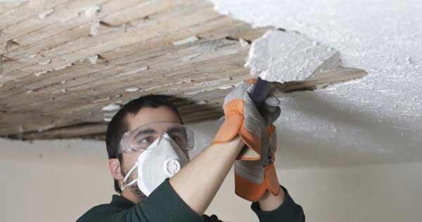 Демонтаж штукатурки с потолка